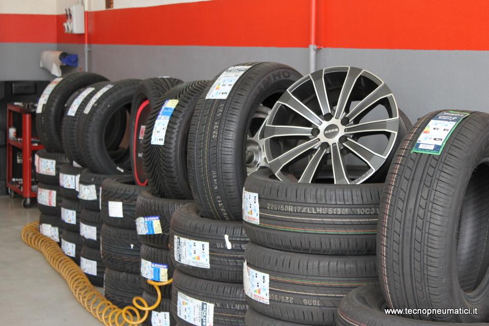deposito pneumatici Lecce